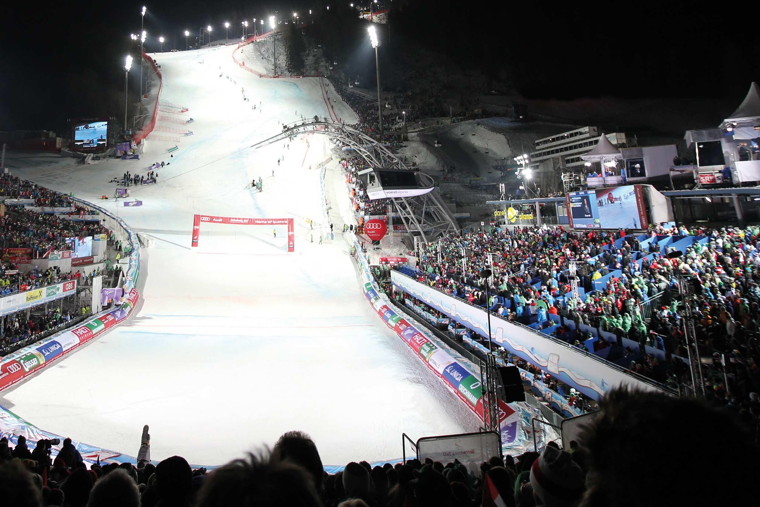 Alpsko skijnaje noćni slalom u Šladmingu skijanje rs